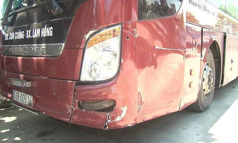 Tài xế xe khách dương tính ma túy tông vào ô tô bị tai nạn - 1