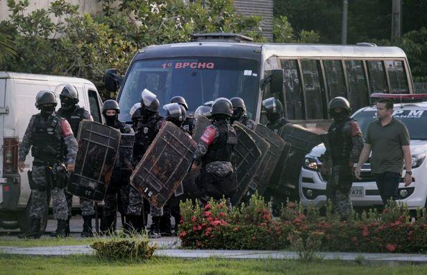 Brazil: Băng đảng đối địch xử nhau trong tù suốt 5 giờ, 52 người bị giết hại dã man - 1