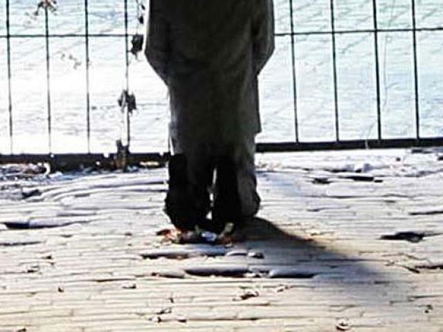 Con gái tỷ phú chết trong tư thế quỳ: Án mạng đêm trăng sáng