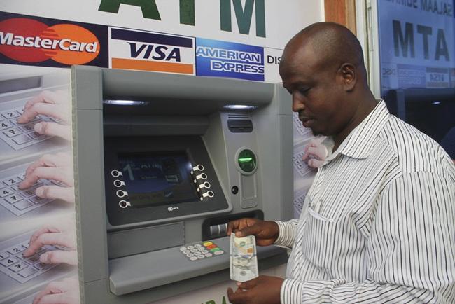 Cùng với sự phát triển của công nghệ, Somalia là một trong những thị trường giao dịch tiền qua di động vượt xa hầu hết các quốc gia khác ở châu Phi. Khoảng 165 triệu giao dịch trị giá 2,7 tỷ USD được ghi nhận mỗi tháng, Xinhua cho hay.