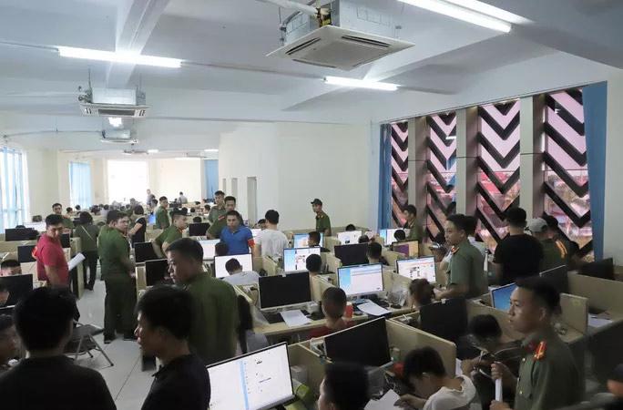 Vụ bắt giữ 380 người Trung Quốc: Buông lỏng quản lý người nước ngoài - 1