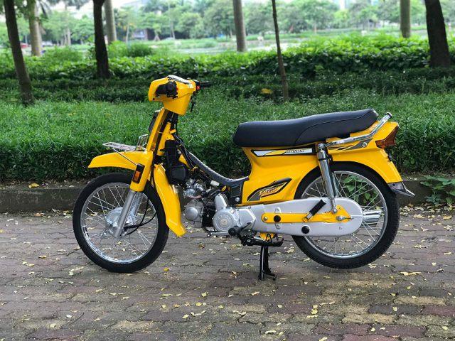 Huyền thoại Honda Dream khoác màu lạ, lên đồ chơi nhẹ vẫn đẹp lung linh