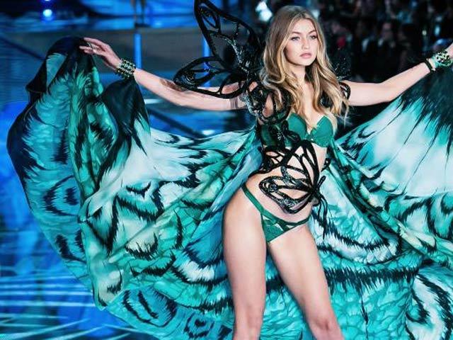 Đế chế nội y lớn nhất hành tinh Victoria's Secret chính thức đã đến hồi sụp đổ?