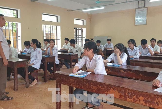 3 thí sinh Nam Định tăng 28.7 điểm sau phúc khảo do tô sai mã đề - 1