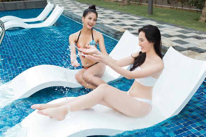Thí sinh Miss World Vietnam 2019 diện bikini nóng bỏng, thả dáng bên bể bơi đốt mắt người nhìn - 1