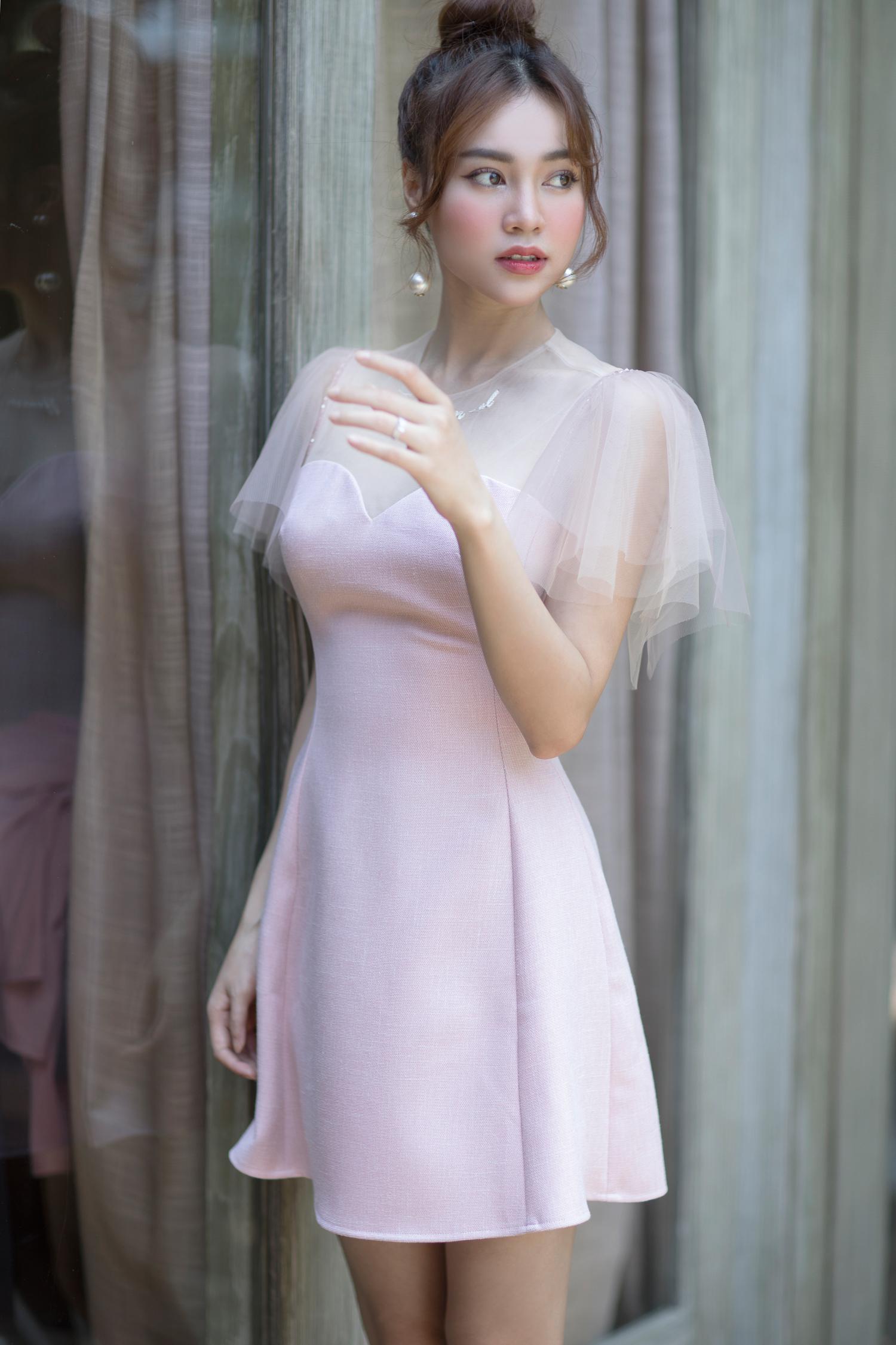 Ninh Dương Lan Ngọc gợi ý cách mặc váy áo tiểu thư, tôn dáng - 1