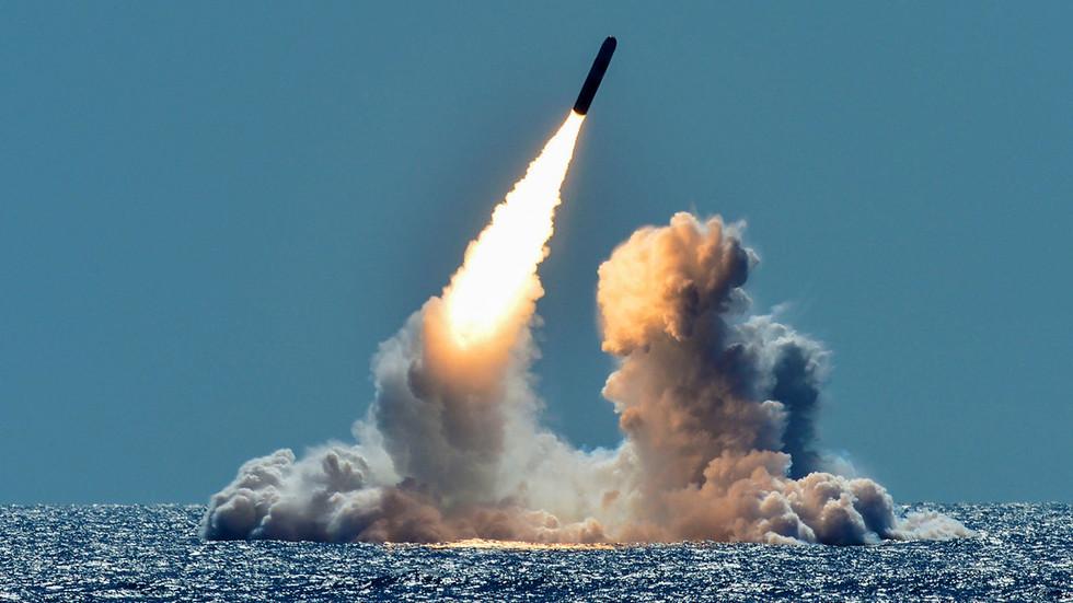 Vừa chấm dứt hiệp ước hạt nhân với Nga, Mỹ tuyên bố phát triển tên lửa mới - 1