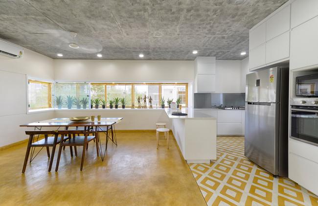 Khu vực bếp sang trọng đầy đủ tiện nghidù không chiếm quá nhiều không gian sống.