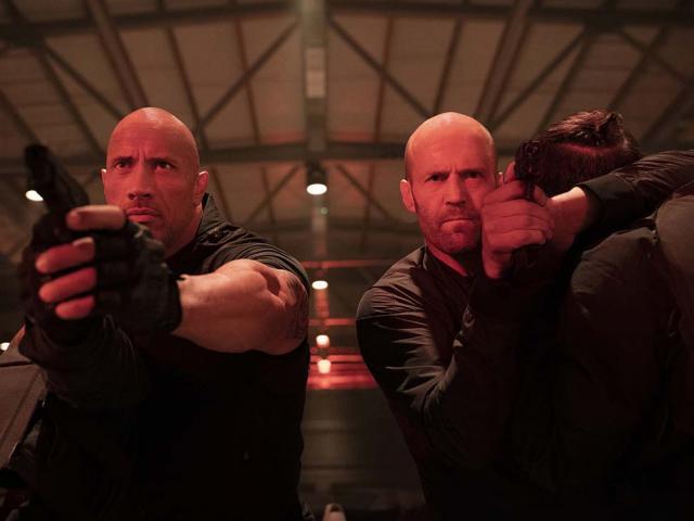 Những pha hành động mãn nhãn của Jason Statham và The Rock