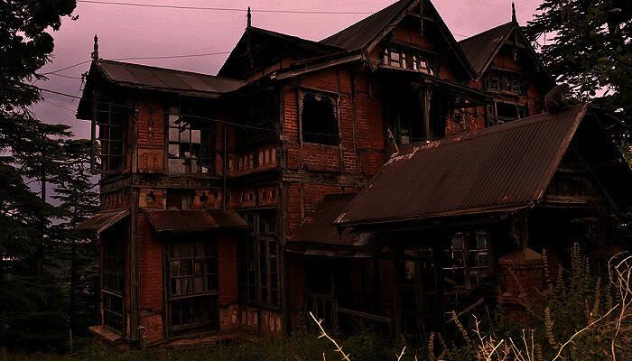 Những ngôi nhà ma ám ở Ấn Độ khiến du khách đổ mồ hôi lạnh - 1