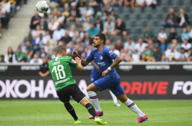 Gladbach - Chelsea: 2 quả penalty & 4 bàn nghẹt thở - 1