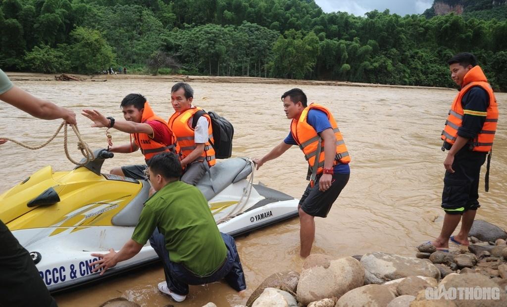 Video lũ lụt ở Thanh Hóa: Cận cảnh hoang tàn tại bản Sa Ná - 1