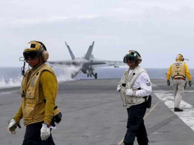 Giữa căng thẳng với Trung Quốc, Mỹ đưa tàu sân bay vào Biển Đông