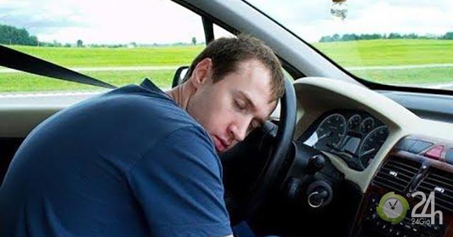 Không riêng trẻ em mà người lớn cũng có thể chết ngạt trong xe ô tô kín mít chỉ sau 1 giờ