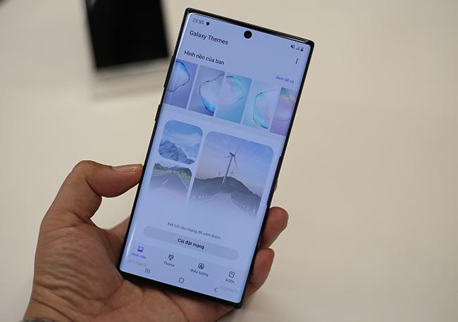 Nhiều chủ đề có sẵn cho người dùng tùy biến giao diện smartphone.