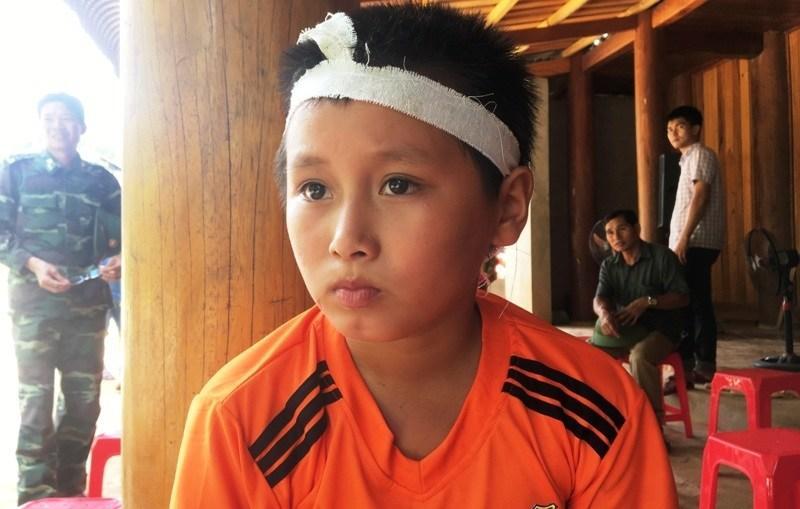 Cậu bé 10 tuổi sống sót kỳ diệu khi bị nước lũ cuốn trôi 4km - 1