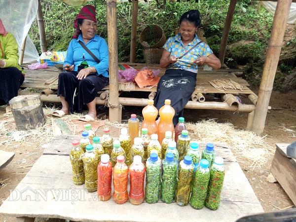 """Độc đáo chợ ớt ngâm """"hút"""" khách qua đường ở Sơn La - 1"""