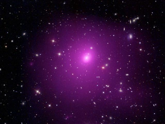 """Phát hiện hố đen lớn """"chưa từng có"""", kích thước gấp 40 tỷ lần Mặt Trời"""