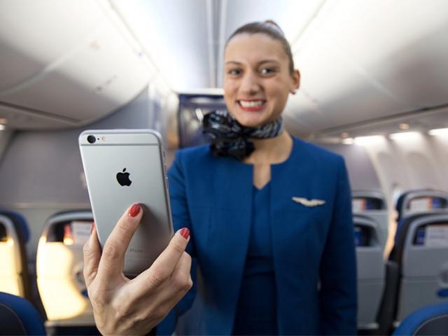 Mỹ: Từ dấu hiệu lạ trong toilet khoang hạng nhất máy bay, khách nữ phát hiện bị quay lén