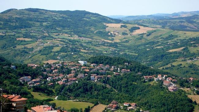 Nông nghiệp của San Marino chiếm tỷ trọng nhỏ trong GDP. Các sản phẩm nông nghiệp có ngựa, bò, ô liu, pho mát, ngô, lúa mì, nho.