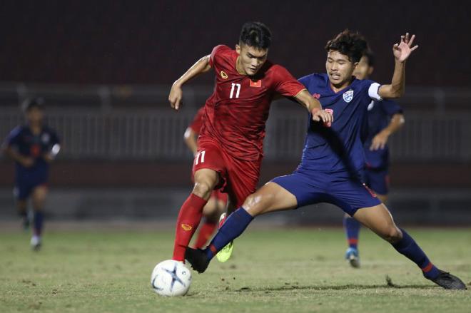"""U18 Việt Nam - U18 Thái Lan: Đôi công quyết liệt, """"người nhện"""" xuất thần - 1"""