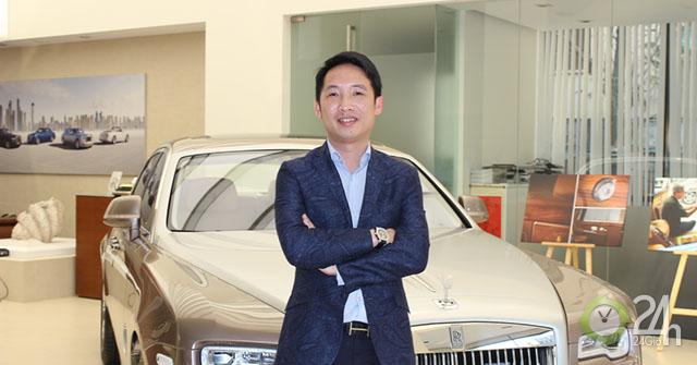 """Chủ tịch Roll-Royce Việt Nam hài lòng với trải nghiệm """"cá nhân hóa"""" khi lái thử xe Vinfast"""