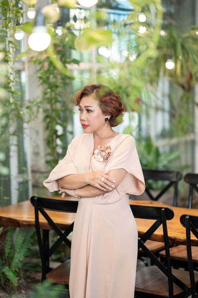 Nữ ca sỹ có cát-xê 4.000 USD hát đám cưới, vỡ nợ hàng chục tỷ là ai? - 1
