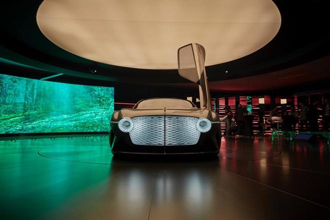 """Bentley """"tiến vào kỷ nguyên số"""" cùng Forbes Business Forum 2019 - 1"""