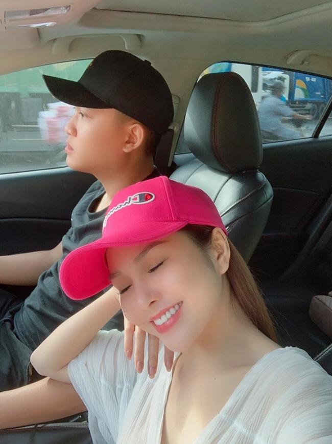 Là diễn viên nổi tiếng song Ny Saki rất kín tiếng về chuyện tình cảm. Đây là lần hiếm hoi người hâm mộ thấy nữ diễn viên 9X đăng tải hình ảnh thân mật với bạn trai.