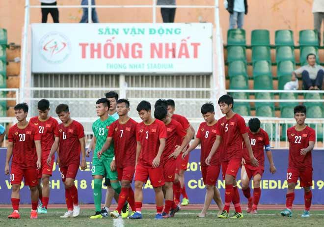 """Việt Nam gây sốc lần đầu thua Campuchia ở U18: Triệu """"HLV online"""" chỉ ra nguyên nhân - 1"""