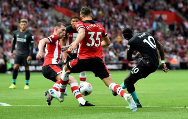 Southampton - Liverpool: Siêu sao bừng sáng, thót tim sai lầm thủ môn - 1
