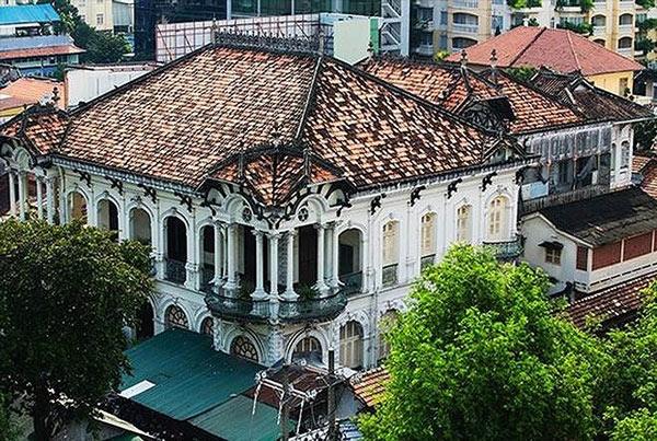 Cận cảnh biệt thự cổ 35 triệu đô quây tôn ở Sài Gòn - 1
