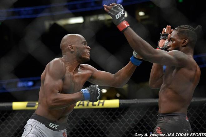 """UFC tàn khốc: Từ bạn hóa địch, """"Ngôi sao tử thần"""" đấm gục đối thủ - 1"""