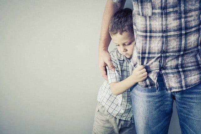Nhiều cha mẹ sợ con hư hỏng nhưng lại không biết sợ con trở nên hèn kém và thiếu tự tin - 1