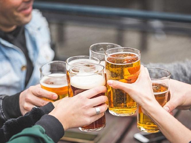"""Uống bia rượu có dấu hiệu này, dừng ngay lập tức kẻo """"hối không kịp"""" - 1"""