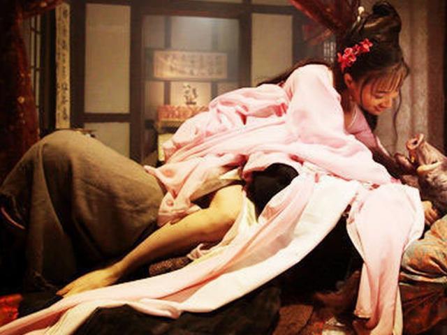 """""""Tây Du Ký"""" cải biên gây sốc với loạt cảnh nóng của thầy trò Đường Tăng"""