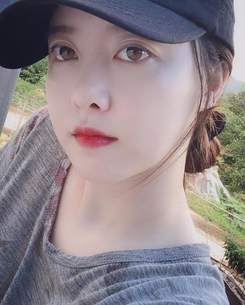 """Bí quyết để """"Cỏ"""" Goo Hye Sun da mềm mịn như gái đôi mươi - 1"""