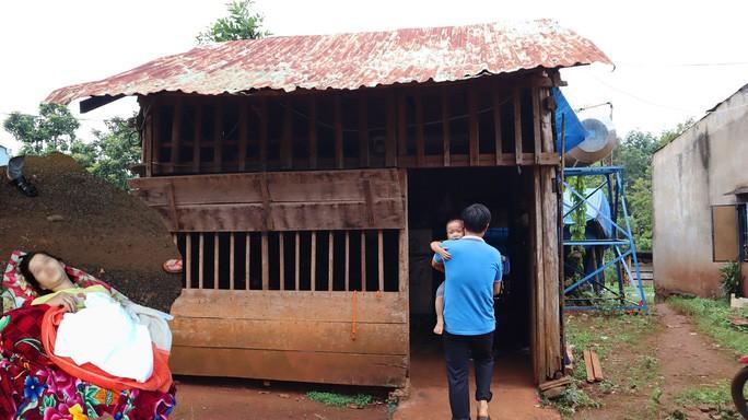Gia cảnh bi đát của vợ chồng sản phụ bị bỏ rơi giữa đường ở Bình Phước - 1