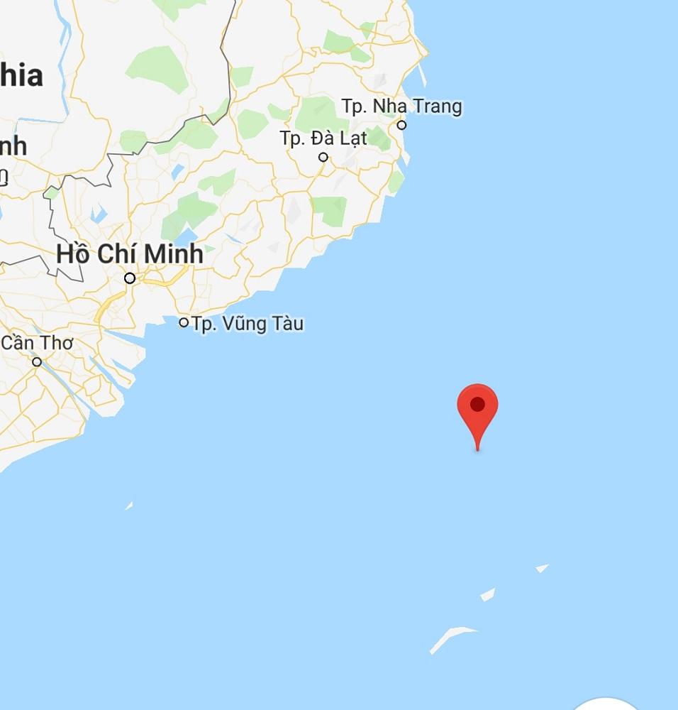 Một tàu cá Khánh Hòa gặp nạn gần khu vực Bãi Tư Chính - 1