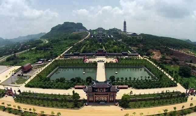 Bộ trưởng TN&MT nói về việc các nơi cấp đất 'khủng' xây chùa - 1