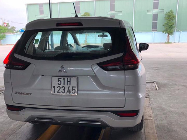 Mitsubishi Xpander bấm được biển số tiến lên hàng khủng
