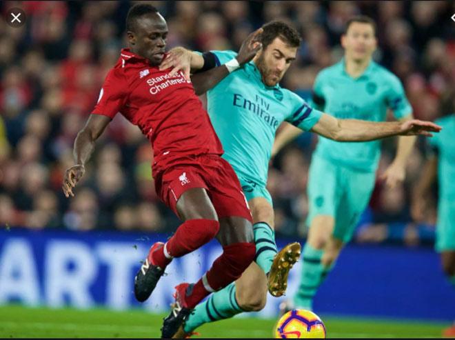 Liverpool đấu Arsenal tranh số 1 Ngoại hạng Anh: Ám ảnh vua áo đen, ai hưởng lợi? - 1