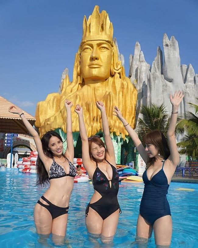 Dao Dao - một người mẫu mạng xã hội có tiếng xứ Đài mới đây bị netizen nước này chỉ trích vì loạt hình ảnh khoe vẻ gợi cảm được chụp tại Việt Nam.
