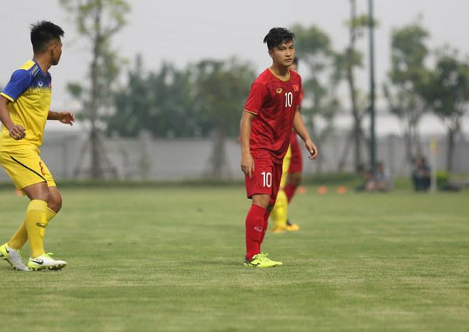 U23 Việt Nam chốt danh sách đấu Trung Quốc: Bất ngờ từ SAO Việt kiều - 1