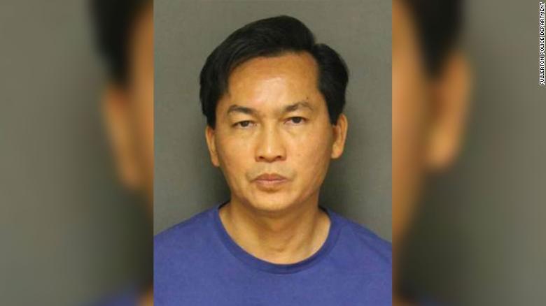 Mỹ: Bắt nghi phạm gốc Việt đâm chết người, giấu ba lô chứa bom tự chế dưới ô tô - 1
