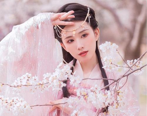 Tuyệt chiêu giường chiếu của đệ nhất mỹ nữ nhà Hán Triệu Phi Yến - 1