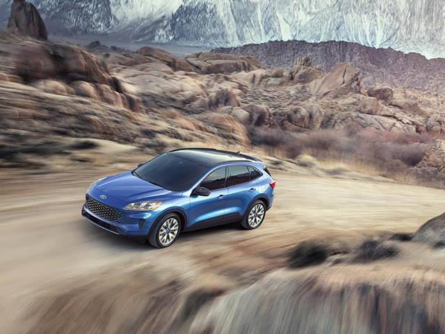 Ford Escape 2020 có giá bán chính thức từ 605 triệu VNĐ cho bản tiêu chuẩn