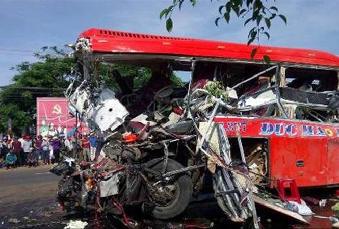 Xe khách gây tai nạn 12 người chết: 'Lột xác' thành xe mới? - 1