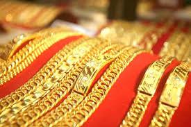 Giá vàng hôm nay 25/8: Vàng 9999, vàng SJC vượt đỉnh lên 42,60 triệu đồng/lượng, nhà đầu tư đứng ngồi không yên - 1