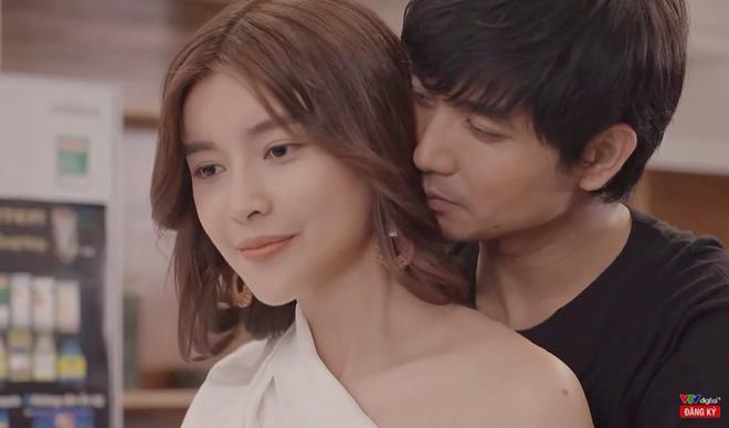 'Choáng' với loạt ảnh Cao Thái Hà lao đến tận nhà tình tứ Tim - 1